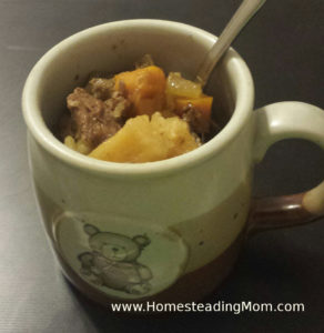 Pressure Canning Beef Stew | Raw Pack | Easy, frugal comfort food via www.HomesteadingMom.com | cup portion